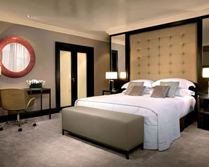 Интерьер для спальни и ванной комнаты